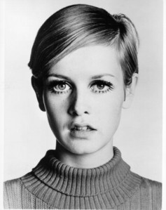 Twiggy-1960-Eyebrow-380x480